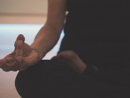 Meditação e trabalho: como ela tem me ajudado na rotina de freelancer